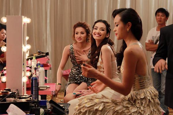 4 bộ phim Việt có màn đầu tư trang phục gây ấn tượng cho người xem - Ảnh 13.