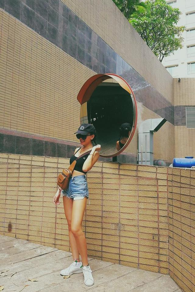 6 cô nàng hot girl Việt đang lăng xê tích cực phong cách gợi cảm - Ảnh 30.
