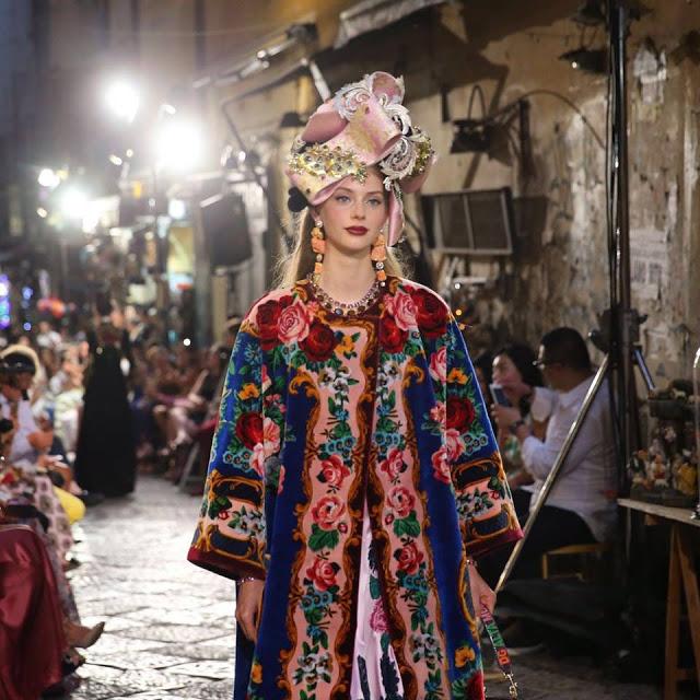 Dolce&Gabbana tổ chức lễ hội, cho đăng quang luôn Hoa hậu trên sàn diễn - Ảnh 5.