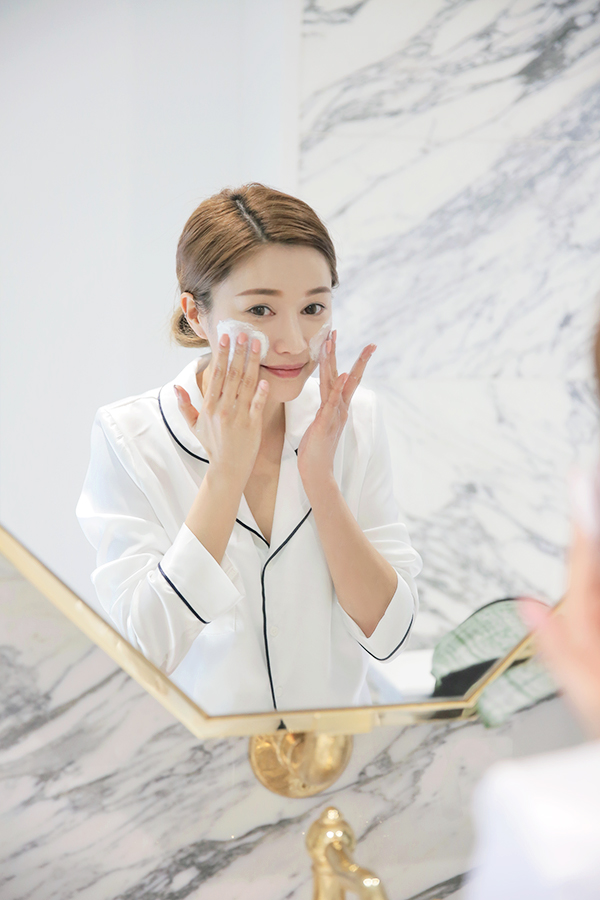 Rửa mặt bao nhiêu lần một ngày là đủ? - Ảnh 1.