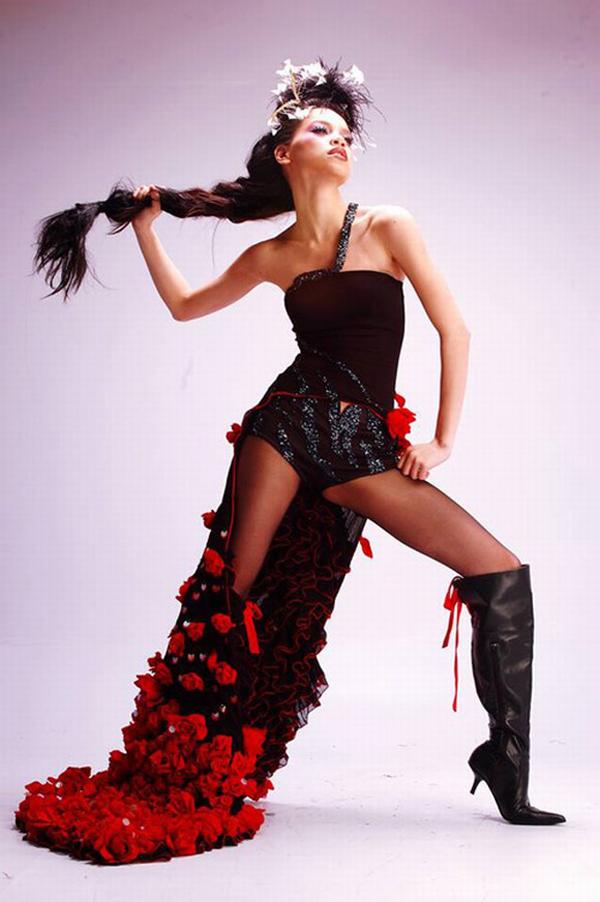 Đào lại những bộ ảnh thời trang thuở chân quê của 3 Giám khảo The Face Việt - Ảnh 5.