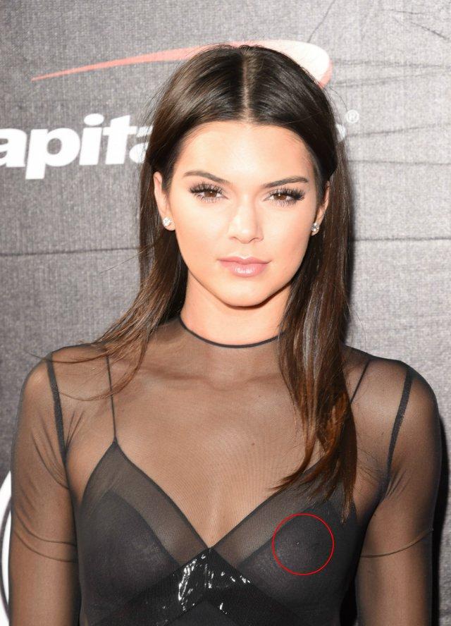 Kendall Jenner suốt ngày thả rông cho bõ công bấm khuyên ngực - Ảnh 8.