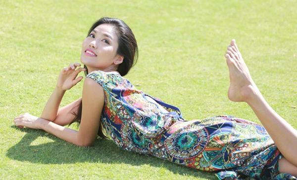 Đào lại những bộ ảnh thời trang thuở chân quê của 3 Giám khảo The Face Việt - Ảnh 34.