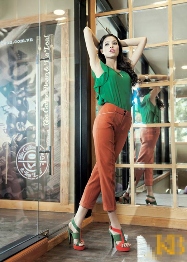 Đào lại những bộ ảnh thời trang thuở chân quê của 3 Giám khảo The Face Việt - Ảnh 19.