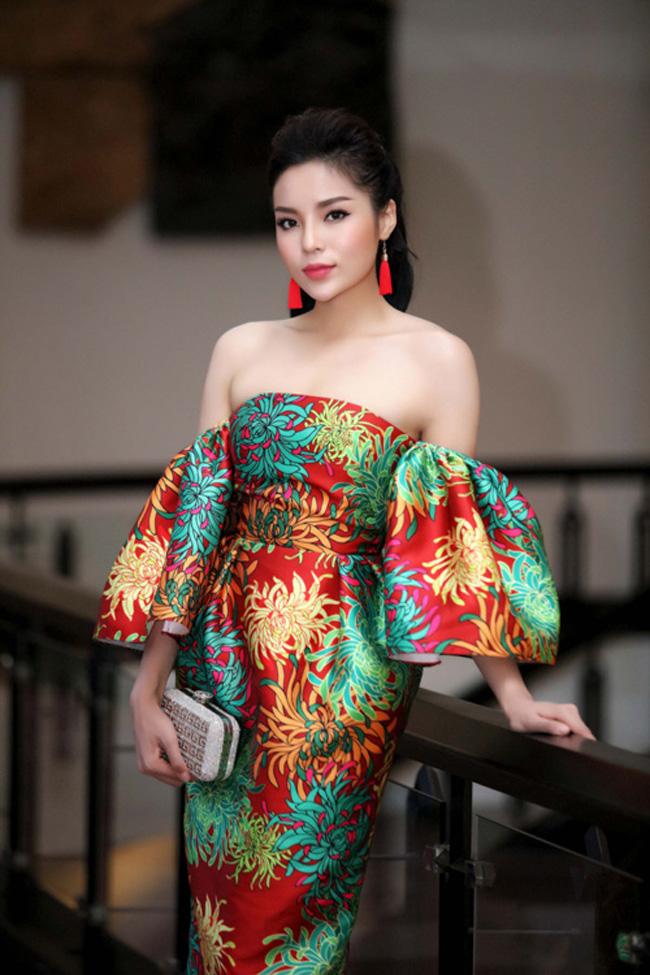 Cùng một chiếc váy hở trên lẫn dưới, Hạ Vi & Angela Phương Trinh ai đẹp hơn? - Ảnh 5.