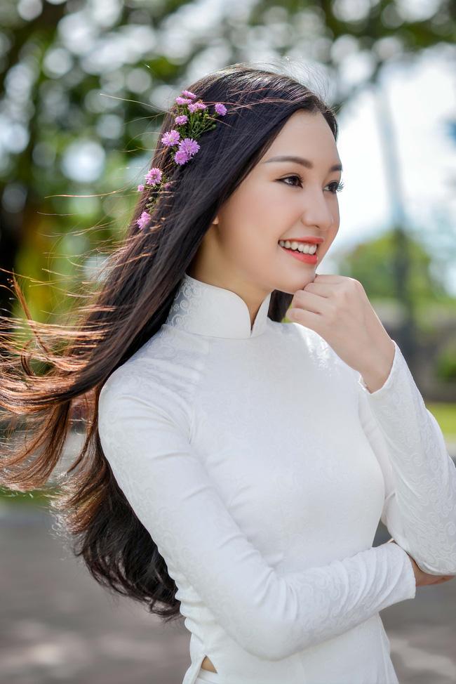 Hoa hậu Việt Nam 2016: Lại ngất ngây với người đẹp Huế - Ngọc Trân trong tà Áo dài trắng - Ảnh 5.