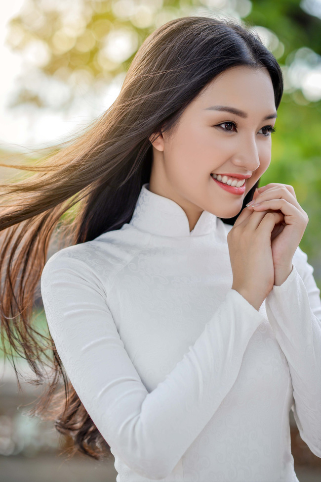 Hoa hậu Việt Nam 2016: Lại ngất ngây với người đẹp Huế - Ngọc Trân trong tà Áo dài trắng - Ảnh 8.