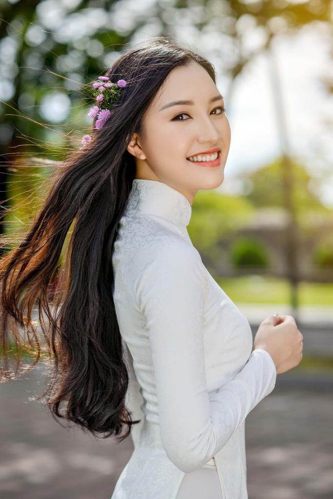 Hoa hậu Việt Nam 2016: Lại ngất ngây với người đẹp Huế - Ngọc Trân trong tà Áo dài trắng - Ảnh 9.