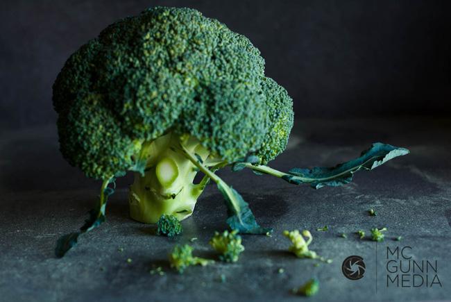 Top 7 loại rau quả nên ăn mùa hè để sạch mụn, khỏe mạnh - Ảnh 2.