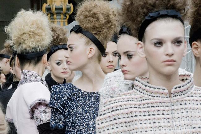 Haute Couture mùa này là một bữa tiệc thị giác cho đôi mắt của bạn - Ảnh 2.
