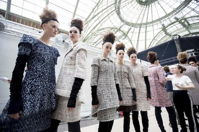 Haute Couture mùa này là một bữa tiệc thị giác cho đôi mắt của bạn - Ảnh 7.