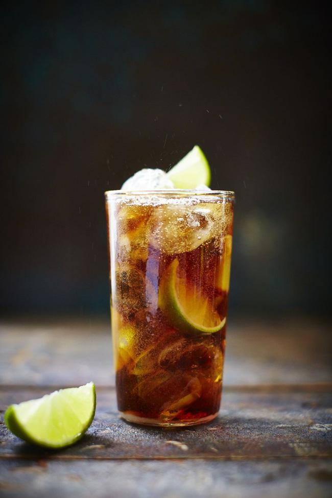 Những thói quen ăn uống có thể làm hỏng thận - Ảnh 2.