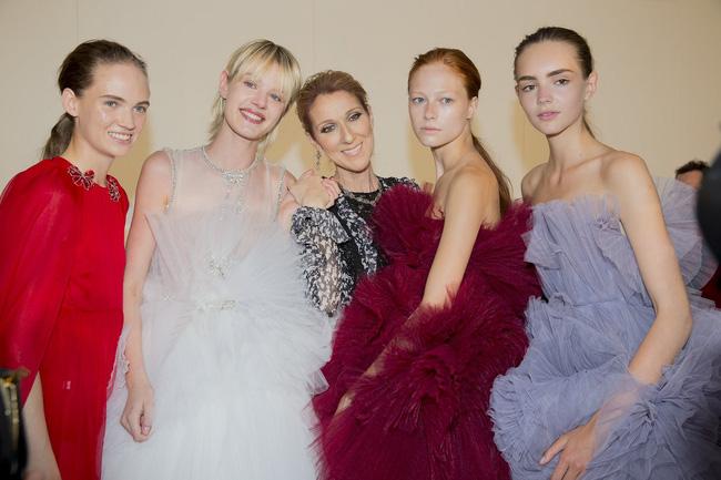 Haute Couture mùa này là một bữa tiệc thị giác cho đôi mắt của bạn - Ảnh 33.