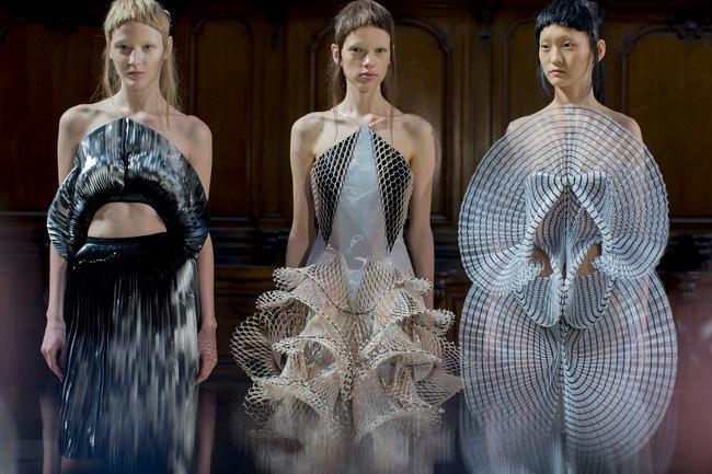Haute Couture mùa này là một bữa tiệc thị giác cho đôi mắt của bạn - Ảnh 36.