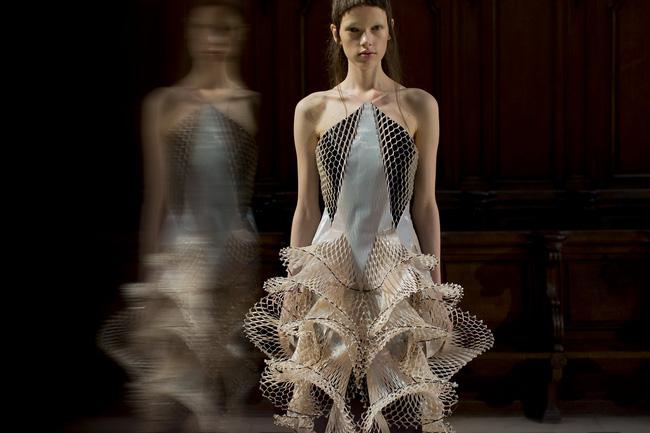 Haute Couture mùa này là một bữa tiệc thị giác cho đôi mắt của bạn - Ảnh 37.
