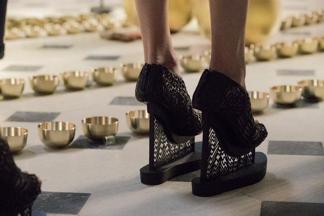 Haute Couture mùa này là một bữa tiệc thị giác cho đôi mắt của bạn - Ảnh 38.