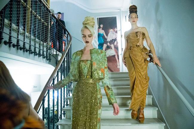 Haute Couture mùa này là một bữa tiệc thị giác cho đôi mắt của bạn - Ảnh 39.