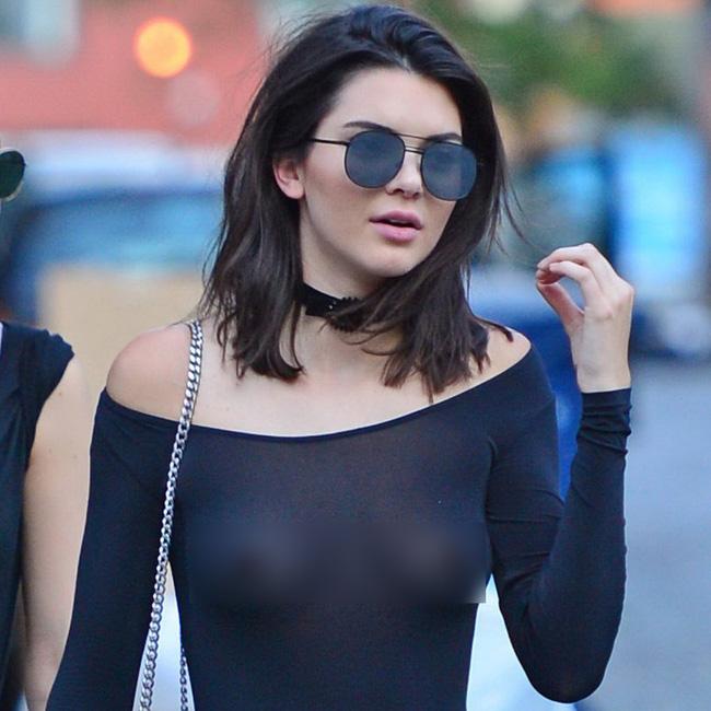 Kendall Jenner suốt ngày thả rông cho bõ công bấm khuyên ngực - Ảnh 3.