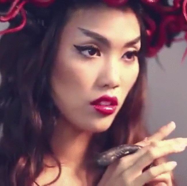 Đứng trước ống kính thì Hà Hồ, Phạm Hương hay Lan Khuê mới là Nữ hoàng? - Ảnh 22.