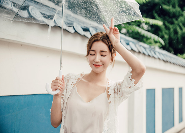 Dù trời nắng nóng đến đâu, da người Hàn vẫn trắng sáng nhờ bí kíp này - Ảnh 1.