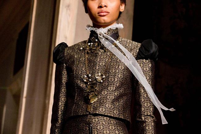 Haute Couture mùa này là một bữa tiệc thị giác cho đôi mắt của bạn - Ảnh 16.
