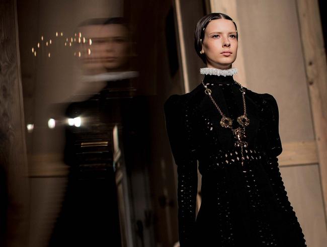 Haute Couture mùa này là một bữa tiệc thị giác cho đôi mắt của bạn - Ảnh 17.