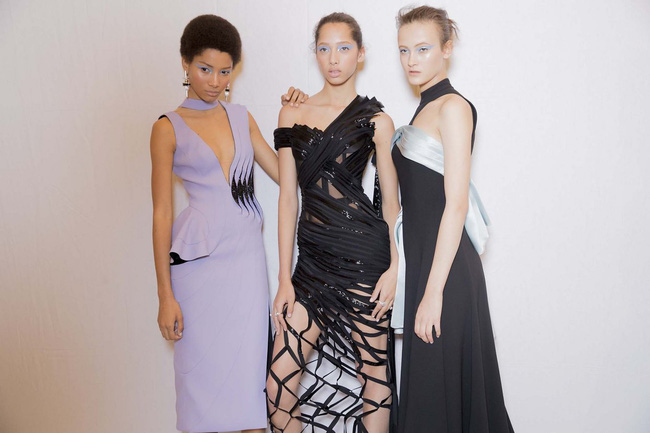 Haute Couture mùa này là một bữa tiệc thị giác cho đôi mắt của bạn - Ảnh 11.