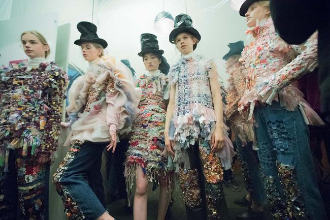 Haute Couture mùa này là một bữa tiệc thị giác cho đôi mắt của bạn - Ảnh 24.